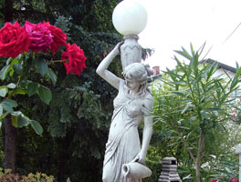 Vrtne figure i statue